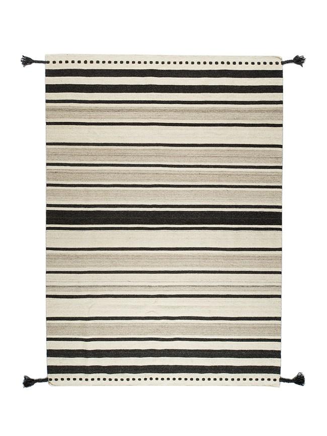 Tapis Varanassi fine stripe noir tissage kilim rayé noir et crème en laine